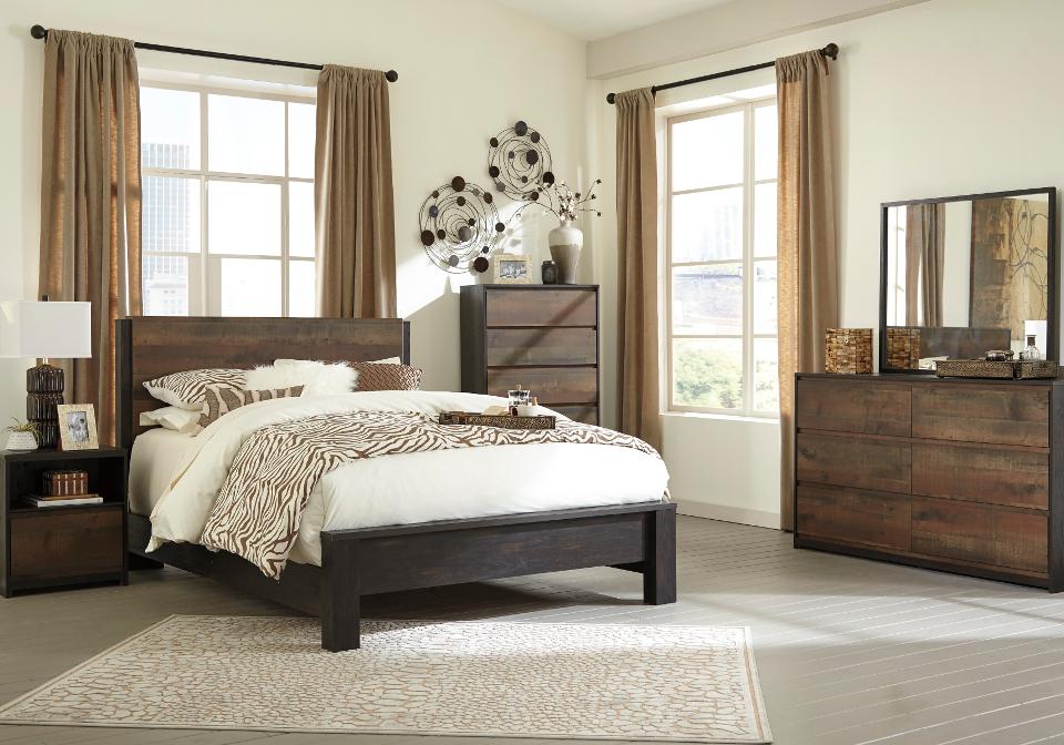 Windlore Queen Panel Bedroom Set