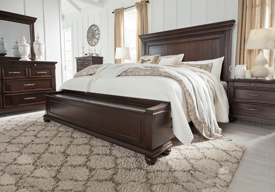 Brynhurst Dark Brown Queen Panel Storage Bedroom Set Local